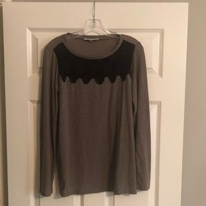 Long sleeve lace accent shirt
